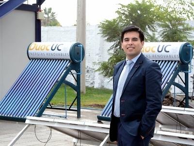 Técnico en Energías Renovables, una Carrera que avanza hacia la consolidación de su liderazgo. Rodrigo Muñoz Huerta, Director de Carrera de Técnico en Energías Renovables, sede San Joaquín de Duoc UC.