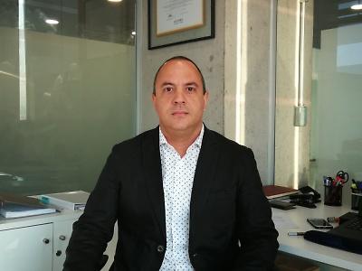 Cambiando el paradigma de la Educación Superior Técnico Profesional. Reinaldo Hernández Sordo. Director de Formación General Duoc UC.