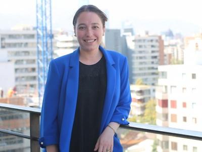 Proceso de autoevaluación de carreras 2018: Nuevo mecanismo de Evaluación Externa. María Francisca Santamaría Ruiz. Jefa de Acreditación de Pregrado. Dirección de Procesos de Acreditación y Certificación de Duoc UC.
